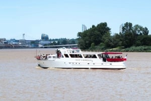 Bordeaux: River Garonne Cruise with Glass of Wine
