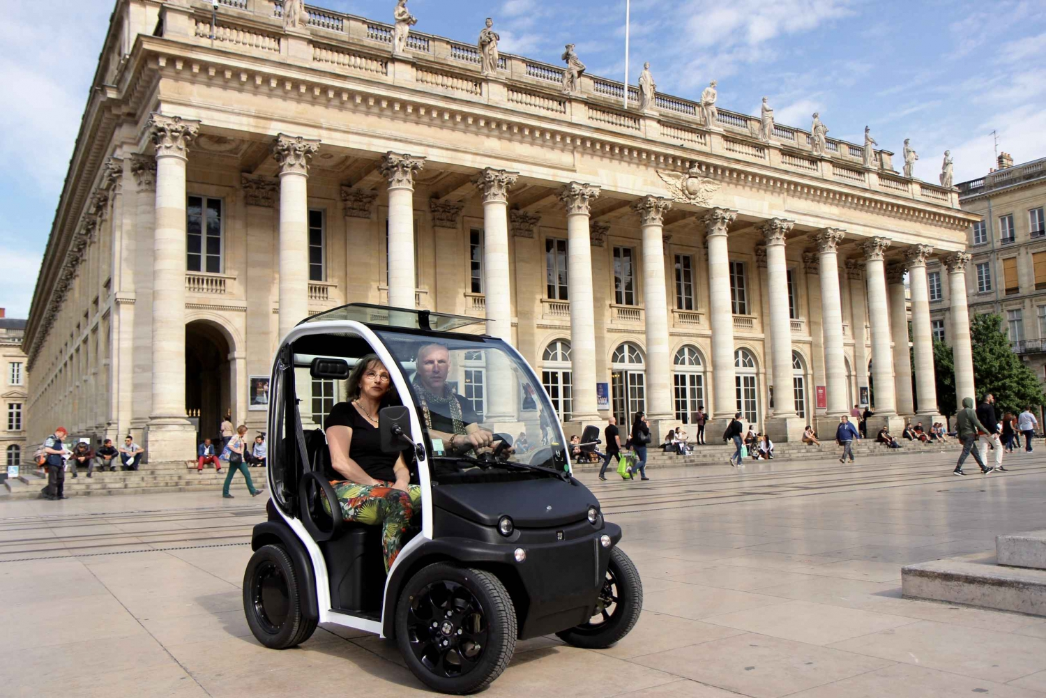 Bordeaux UNESCO Self-Guided Tour in a 360°View Electric Car