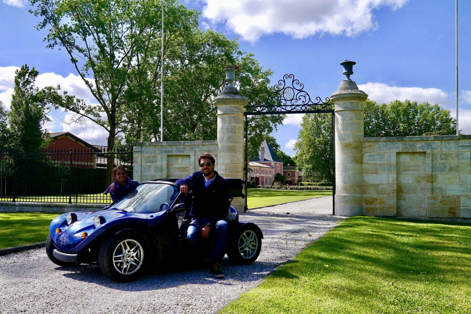 Full-Day Self-Guided Buggy Tour to Pauillac Médoc