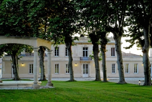 Soussans: Guided Winery Tour with Wine Tasting near Margaux