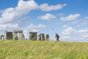 From Brighton: Stonehenge and Bath Full-Day Trip