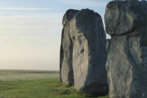 From Bristol: Stonehenge and Bath Private Day Tour