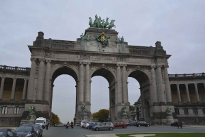 Brussels: Walking Tour from Central Station to Manneken Pis