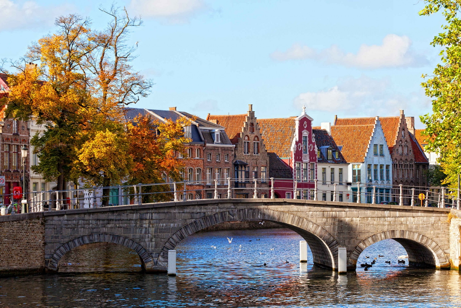 Day Tour to Bruges with 4-Hour Guided Walk