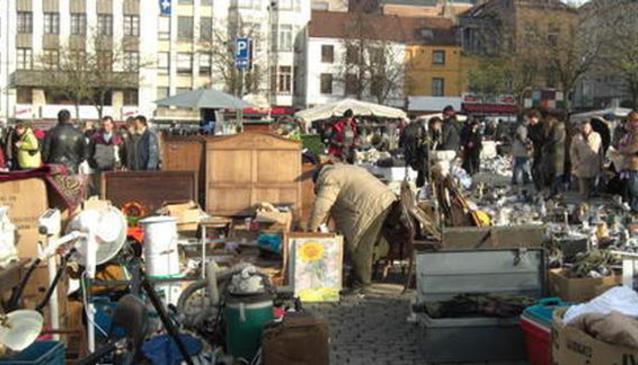 Flea Market of Place du Jeu de Balle