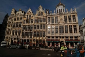 Walking Tour from Central Station to Manneken Pis