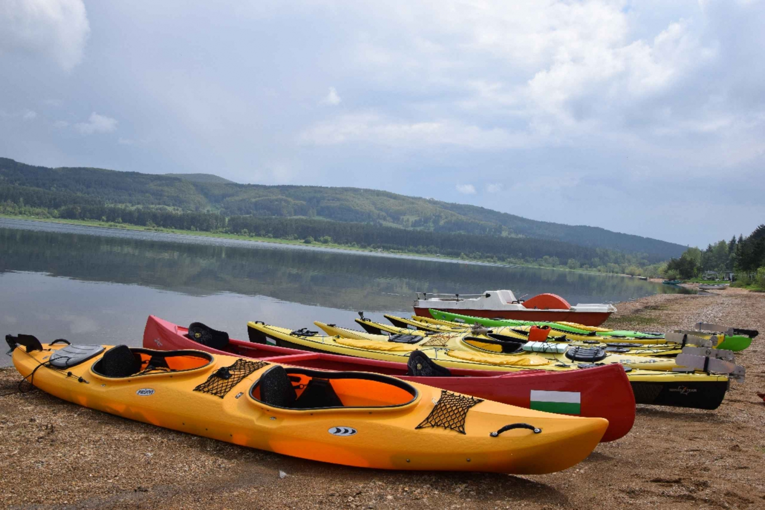 1-Day Kayak Tour at Iskar Lake