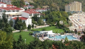 Elenite Holiday Village