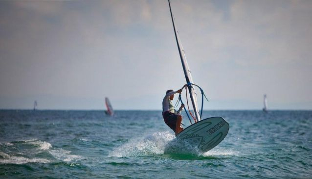 Extreme Windsurfing School