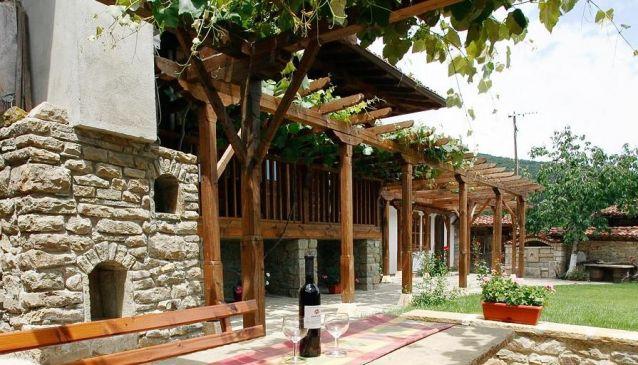 Loznitsata (The House with the Vine)