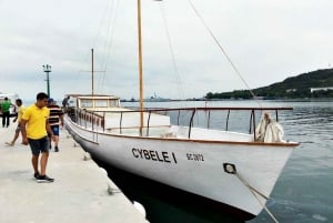 Nessebar: 4-Hour Boat Tour incl. Fishing, Lunch & Drinks