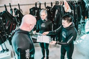 Cairns: Aquarium Reef Tank Diving Experience