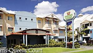 Cairns Queens Court