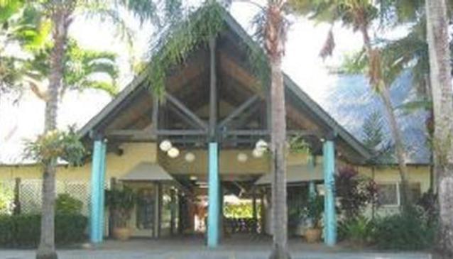 Plaza Palms Resort