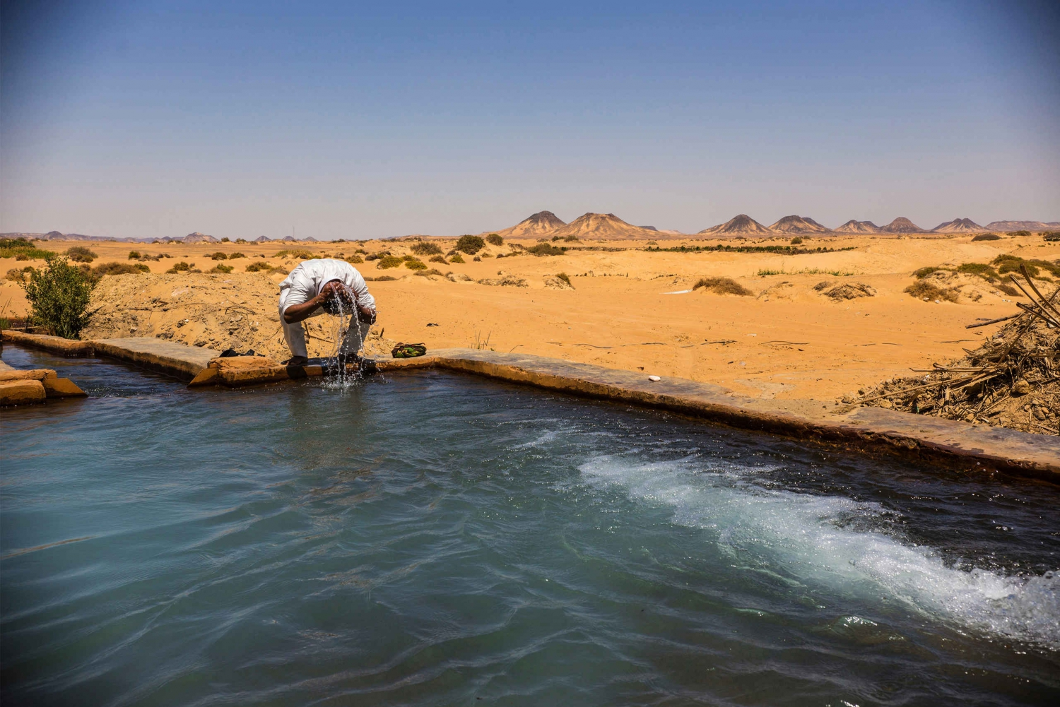 2-Day Bahariya Oasis Camp and Desert Tour