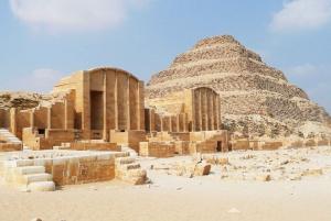 Cairo: Giza Pyramids, Memphis, and Sakkara Day Trip