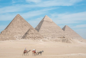 Cairo: Half Day Pyramids Tour by Camel or Horse Carriage