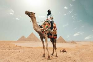 Cairo: Pyramids, Bazaar, Citadel Tour with Photographer