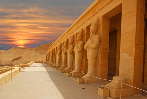From Cairo: Luxor Guided Tour with Overnight 1st Class Bus