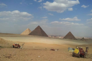 From Hurghada: Cairo Day Tour with Entry Fees and Lunch