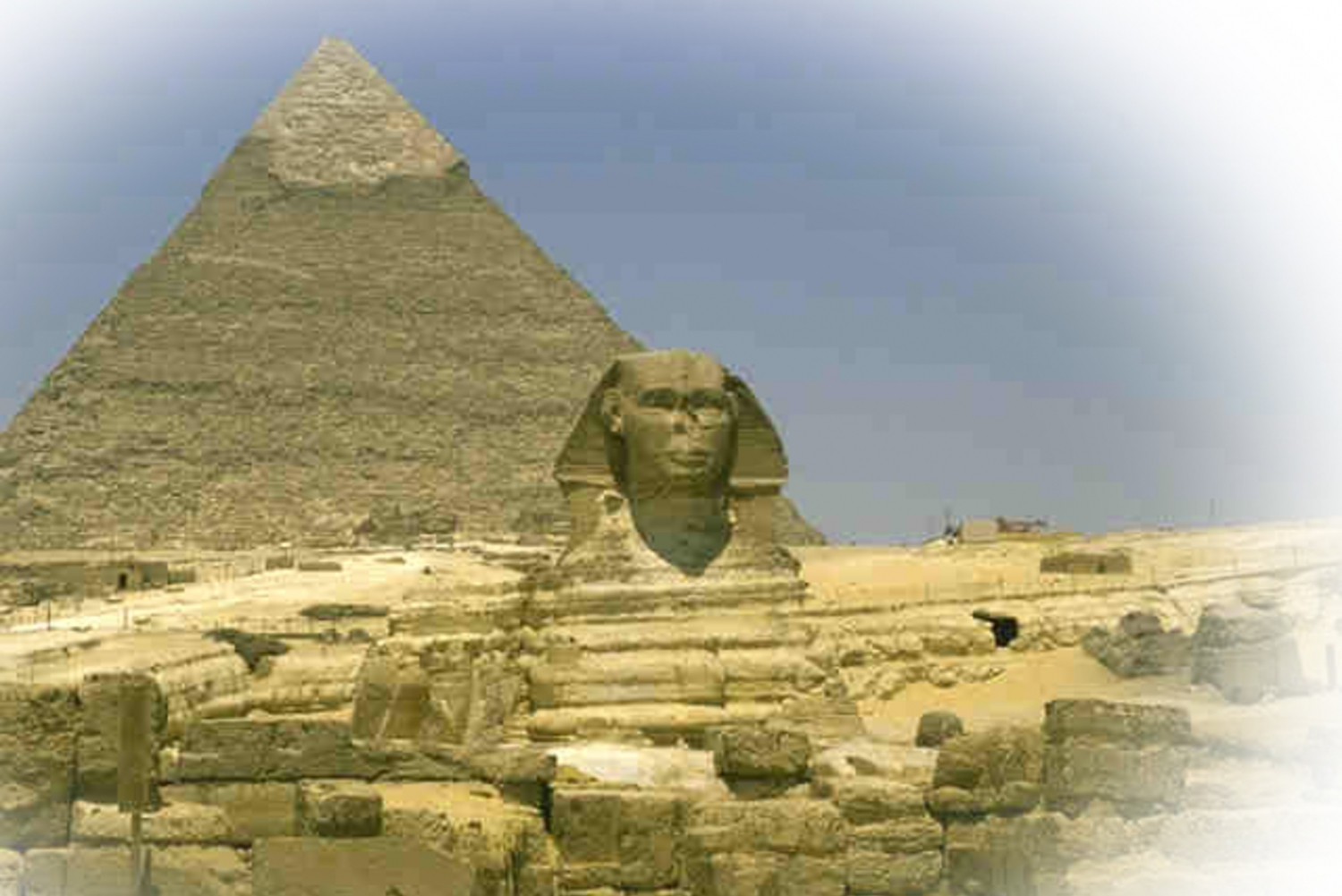 Giza Pyramids, Egyptian Museum & Bazaar Full-Day Tour
