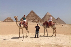 Pyramids of Giza, Sakkara & Memphis: Private Tour with Lunch