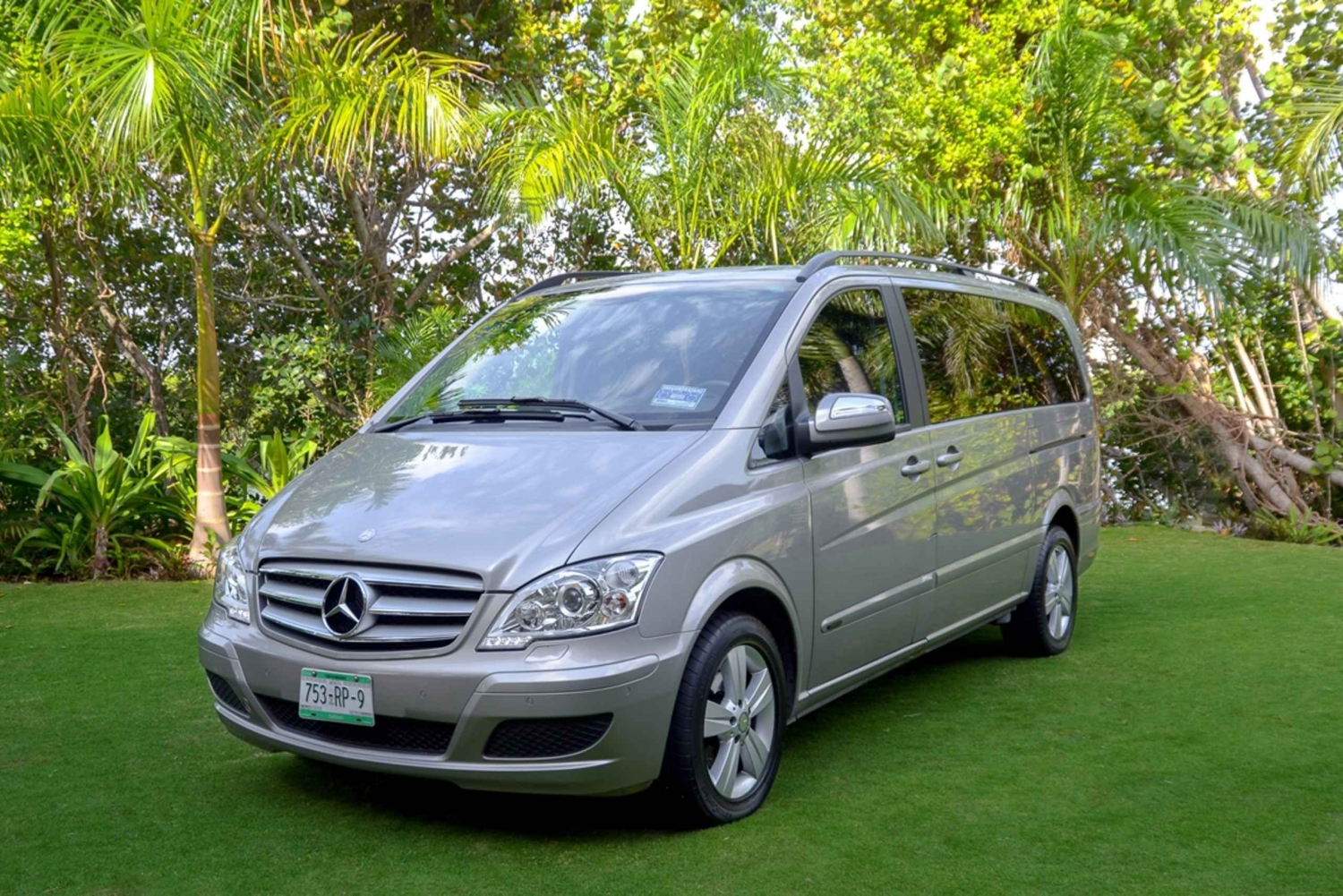 Cancun Airport Roundtrip Luxury Private Van Transfer