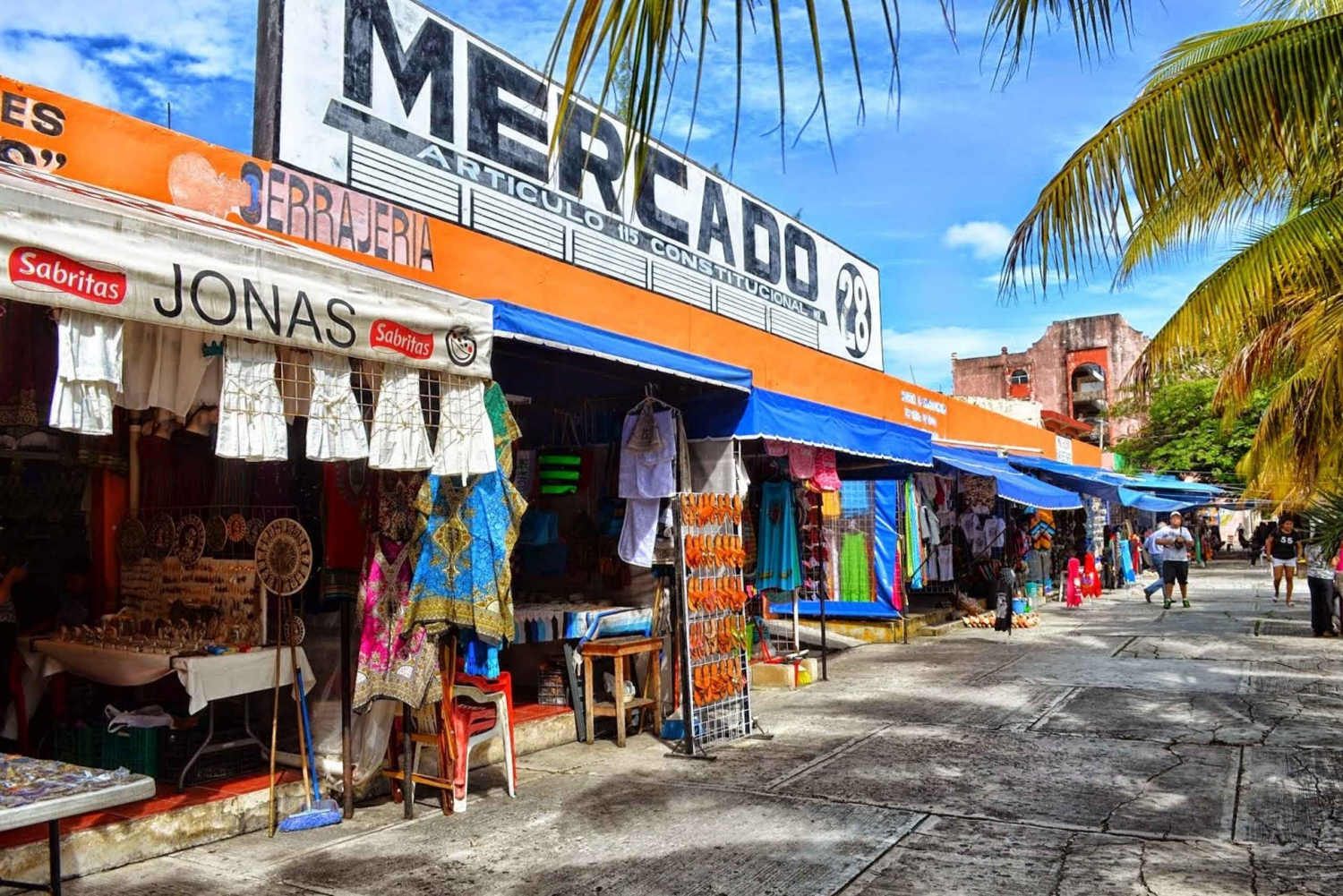 Cancún City and Shopping Tour with El Meco Ruins