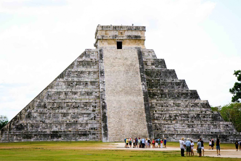 Chichén Itzá All-Inclusive with Hubiku Cenote & Valladolid