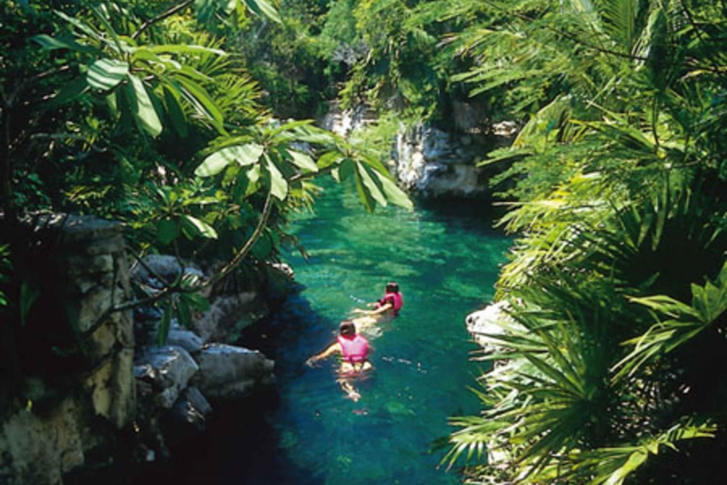 Chichen Itza, Xcaret and Xel-Ha 3 Tours Combo Package