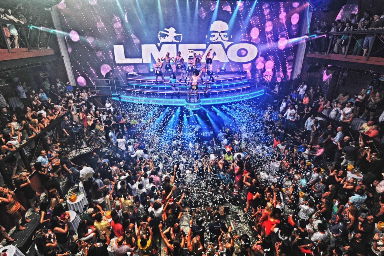 Coco Bongo Nightclub Entrance & Open Bar in Cancun