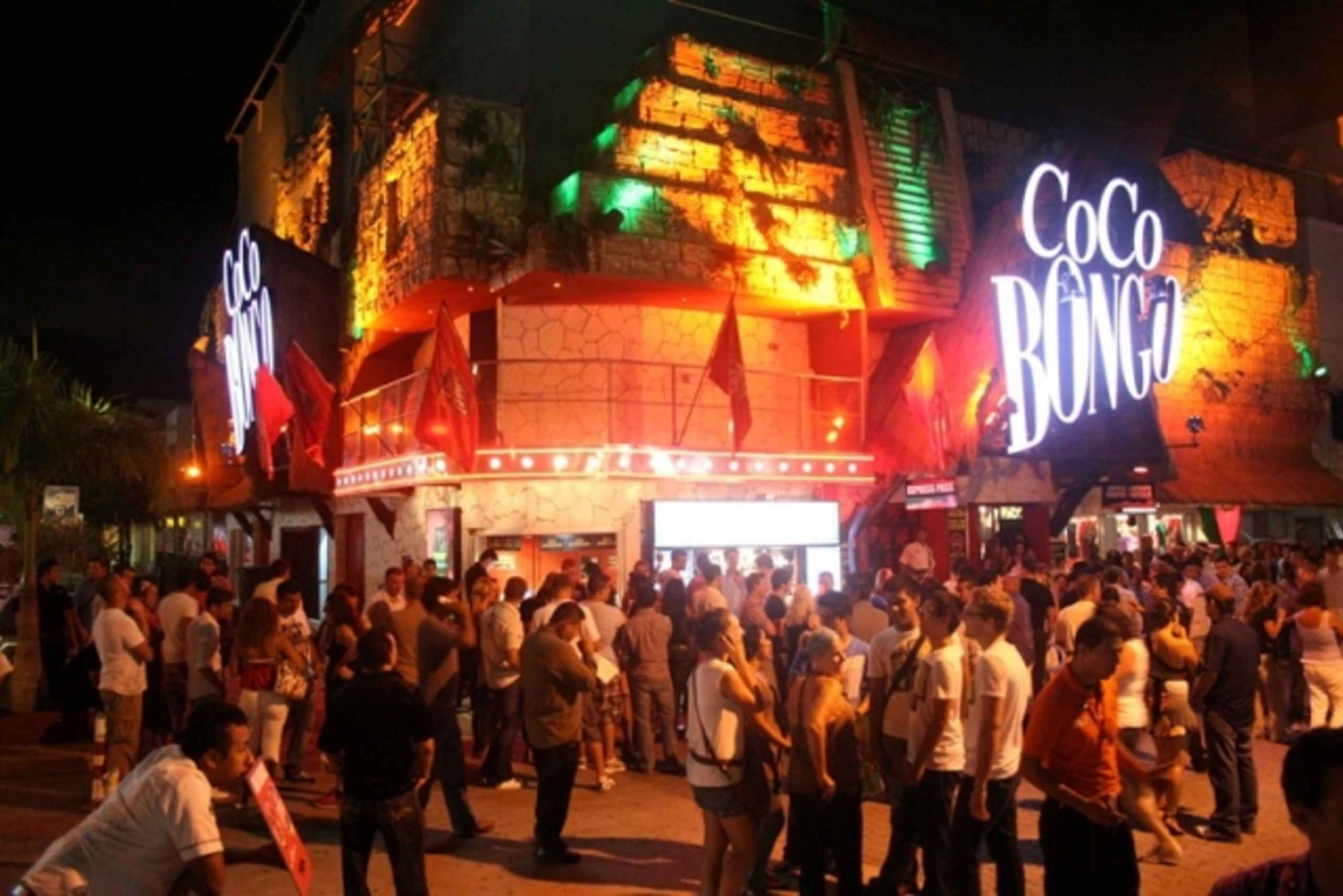 Coco Bongo Nightclub with Open Bar in Playa del Carmen