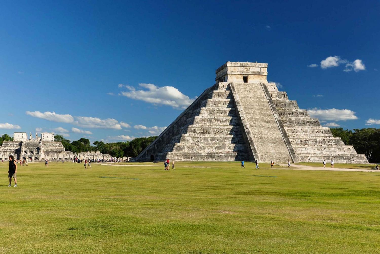 Complete Mayan Experience: Chichen Itza & Tulum 2-Day Tour
