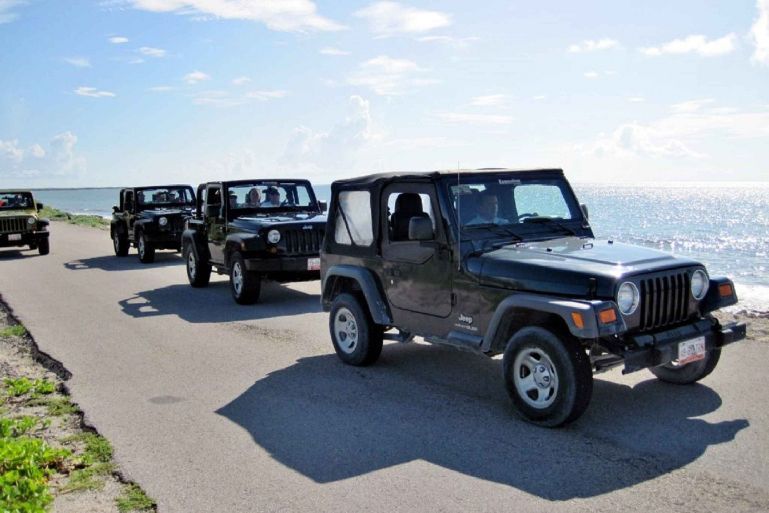 Cozumel: Adventure by Jeep with Snorkeling and Dolphins