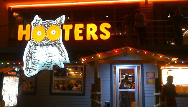 Hooters Malecon Americas
