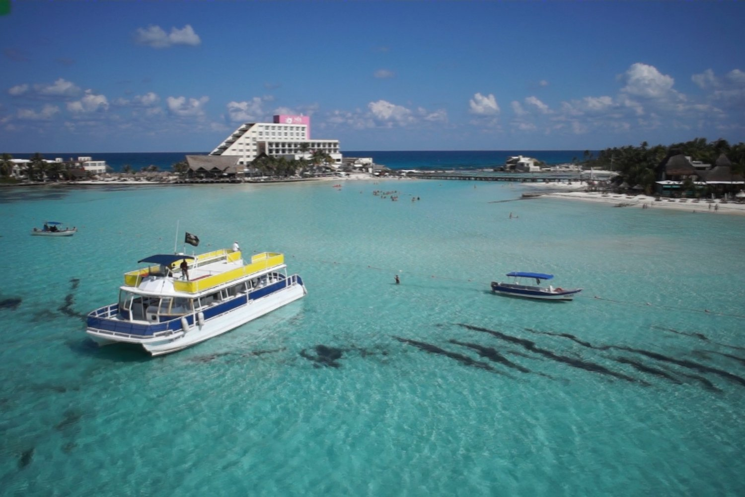 Isla Mujeres: Snorkel with Open Bar and Buffet