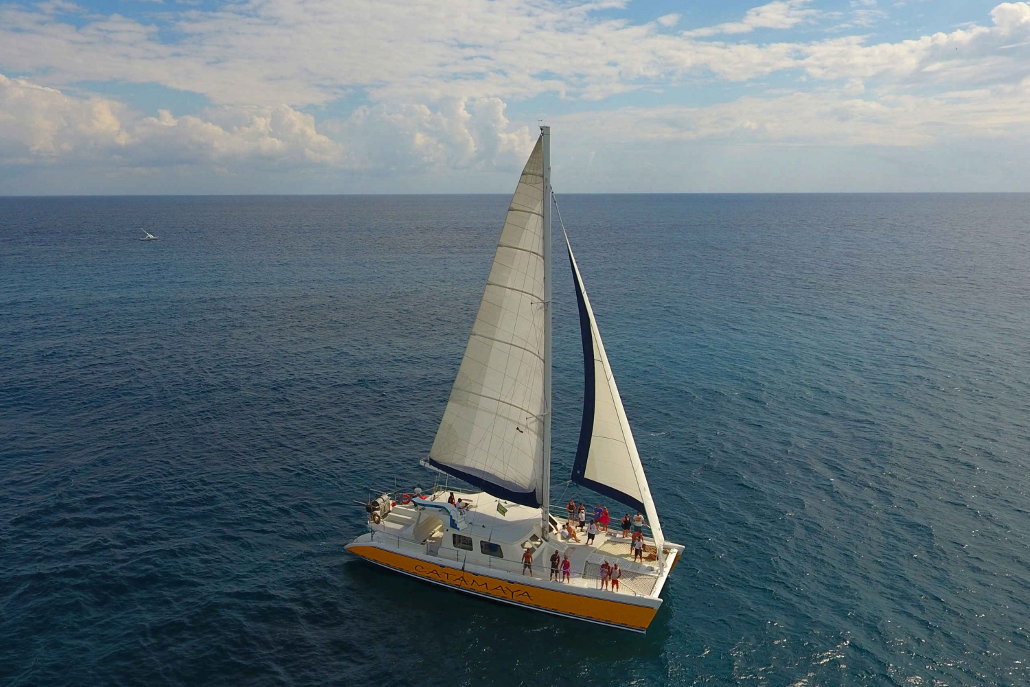 Riviera Maya: Open Bar Catamaran & Snorkelling Tour