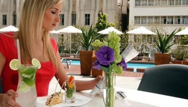 Azura Restaurant and Style Bar