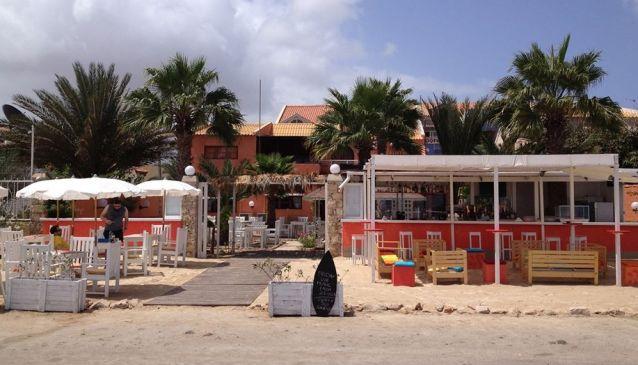 La Villa Beach Lounge