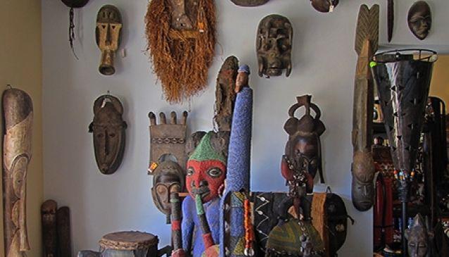 Moumi Gallery