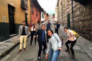 Bogotá: Candelaria Tour with Cacao and Coffee Workshop