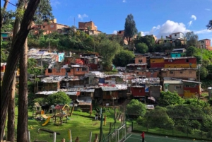 Bogotá: Egipto Graffiti Tour with Local Guide