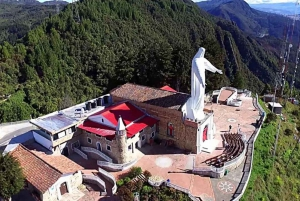 Bogotá: Guadalupe Hill Hiking Tour