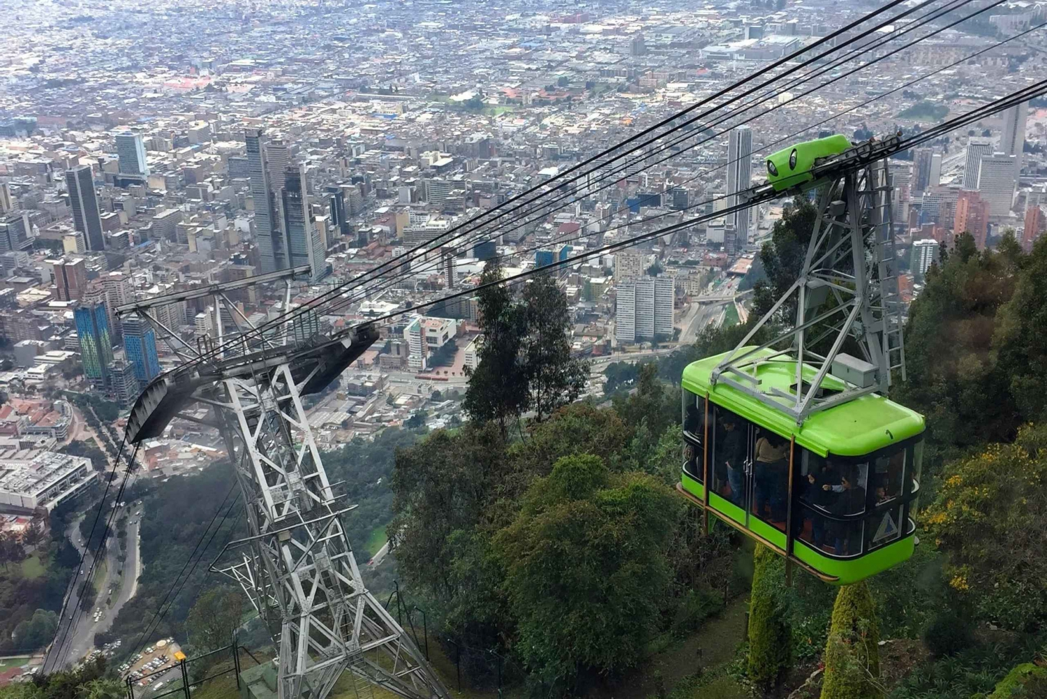 Bogota: Monserrate Hill Visit and Historic City Tour