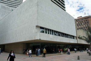 Bogotá: Private Candelaria Walking Tour and Gold Museum