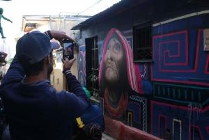 Bogotá: Private Graffiti Tour in La Candelaria