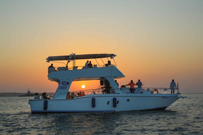 Cartagena: 1.5–Hour Bay Sunset Yacht Tour