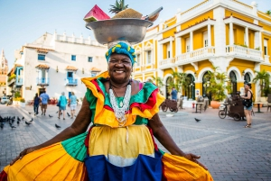 Cartagena: Best Street Food with Local Chef