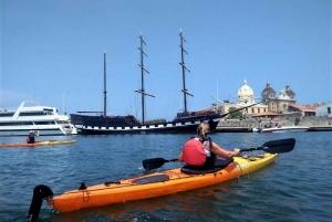 Cartagena: Walled City Kayak Tour