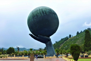 From Bogotá: Jaime Duque Park and Salt Cathedral with Lunch